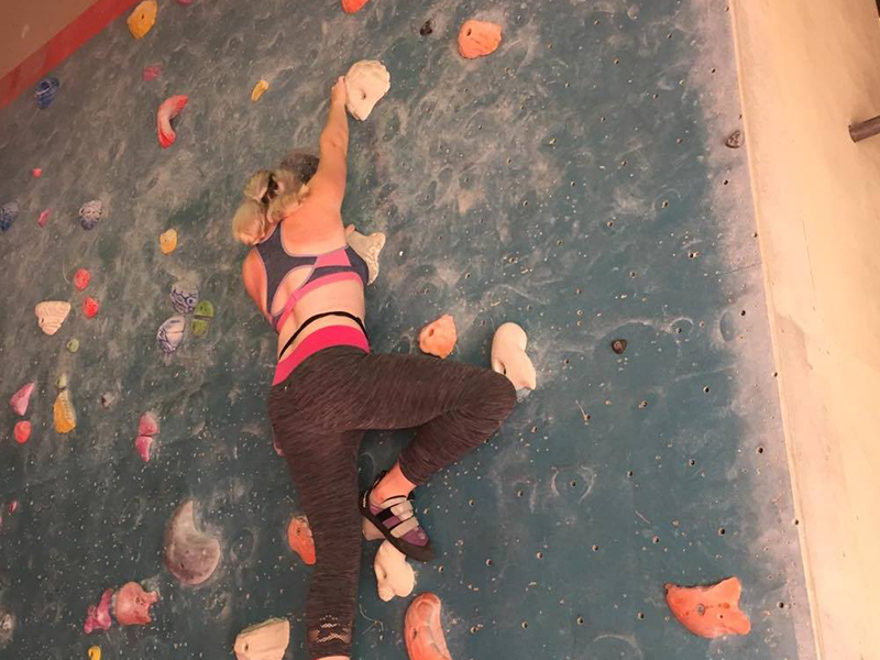 Bouldering means no harness... there are mats below though!