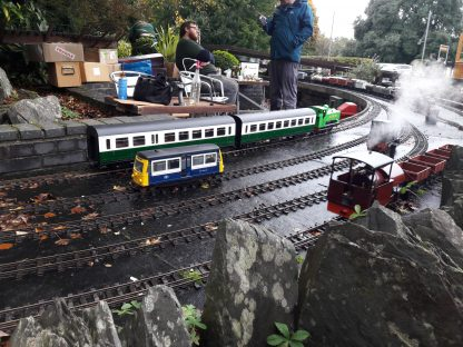model trains 00 gauge