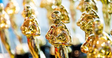 Statuettes of the Oscars's trophy